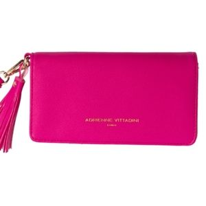 #864 Adrienne Vittadini Charging Wallet Pink
